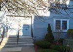 Foreclosed Home en FLOWER LN, Dracut, MA - 01826