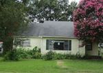 Foreclosed Home en FULLERTON ST, Warren, AR - 71671