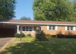 Foreclosed Home en N SASSAFRASS ST, Dexter, MO - 63841