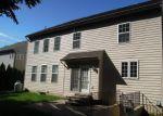 Foreclosed Home en HUGHS RD, Charles Town, WV - 25414