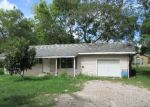 Foreclosed Home en 1/2 BEAUMONT ST, League City, TX - 77573