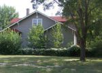 Foreclosed Home en S 7TH ST, Sterling, KS - 67579