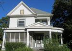 Foreclosed Home en CARROLL AVE, Colonial Heights, VA - 23834