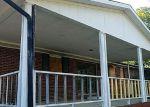 Foreclosed Home en S HIGH KNOB RD, La Follette, TN - 37766