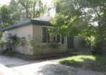 Foreclosed Home en EMMONS AVE, Rochester, MI - 48307