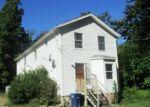 Foreclosed Home en ELM ST, Leominster, MA - 01453