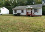 Foreclosed Home en NOTTOWAY AVE, Blackstone, VA - 23824