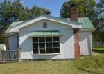Foreclosed Home en S 2ND ST, Austin, IN - 47102