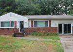 Foreclosed Home en HOLLY VISTA DR, Colonial Beach, VA - 22443