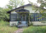 Foreclosed Home en N MAIN ST, Oneida, TN - 37841