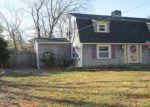 Foreclosed Home en MASSASOIT AVE, Barrington, RI - 02806