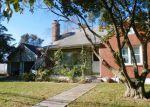 Foreclosed Home en BATH RD, Bristol, PA - 19007