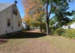 Foreclosed Home en FORBES ST, East Hartford, CT - 06118
