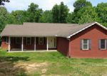 Foreclosed Home en SALES LANDING RD, Camden, TN - 38320