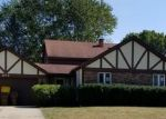 Foreclosed Home en WOODMAR DR, Crystal Lake, IL - 60014