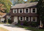 Foreclosed Home en ROYAL OAKS DR, Norwich, CT - 06360