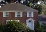 Foreclosed Home en FRONT ST, Hempstead, NY - 11550