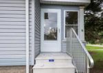 Foreclosed Home en YARGERVILLE RD, La Salle, MI - 48145