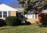 Foreclosed Home en VALLEY VIEW DR, Meriden, CT - 06450