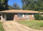 Foreclosed Home en PARKVIEW DR, Calhoun City, MS - 38916
