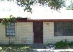 Foreclosed Home en S CALDWELL ST, Falfurrias, TX - 78355
