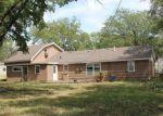 Foreclosed Home en S SIMPSON RD, Salina, KS - 67401