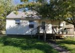 Foreclosed Home en E 17TH ST, Indianapolis, IN - 46219
