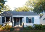 Foreclosed Home en OLIVE ST, Elyria, OH - 44035