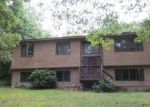 Foreclosed Home en PERRY HILL RD, Coventry, RI - 02816