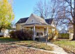 Foreclosed Home en E 13TH AVE, Winfield, KS - 67156