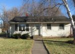 Foreclosed Home en BARCLAY ST, Saint Paul, MN - 55106