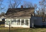 Foreclosed Home en N NOLAND RD, Independence, MO - 64050