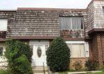 Foreclosed Home en W DEER PARK RD, Gaithersburg, MD - 20877