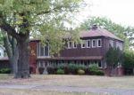 Foreclosed Home en COACHMAN CT, Brecksville, OH - 44141