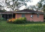 Foreclosed Home en ERWIN AVE, Victoria, TX - 77901