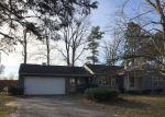 Foreclosed Home en E CARLETON RD, Adrian, MI - 49221
