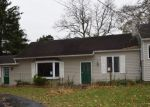 Foreclosed Home en MAPLE RIDGE RD, Medina, NY - 14103