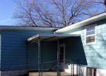 Foreclosed Home en W MACON ST, Clinton, IL - 61727