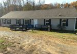 Foreclosed Home en SLATE HILL RD, New Canton, VA - 23123