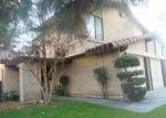 Foreclosed Home en PINEWOOD LAKE DR, Bakersfield, CA - 93309