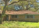 Foreclosed Home en GWYNETH ST, Boling, TX - 77420