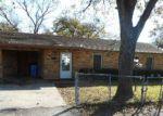 Foreclosed Home en SHORT AVE, Seguin, TX - 78155
