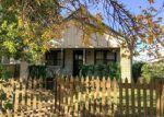Foreclosed Home en W JEWELL AVE, Salina, KS - 67401