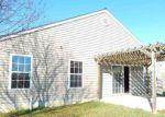 Foreclosed Home en CLAYTON CT, Weyers Cave, VA - 24486