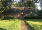 Foreclosed Home en EVERGREEN DR, Port Arthur, TX - 77642