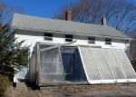 Foreclosed Home en PLEASANT ST, Hope Valley, RI - 02832