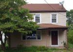 Foreclosed Home en BRUNSWICK AVE, Bloomsbury, NJ - 08804