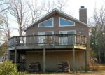 Foreclosed Home en EMERALD COVE RD, Reedville, VA - 22539