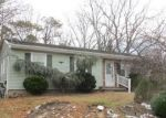 Foreclosed Home en EVERGREEN DR, Brick, NJ - 08723