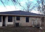 Foreclosed Home en BOYD ST, Cleburne, TX - 76031